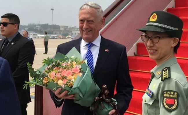美国国防部长马蒂斯抵达北京访问