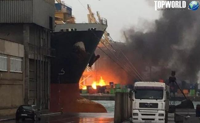 巴塞罗那港集装箱堆场起火